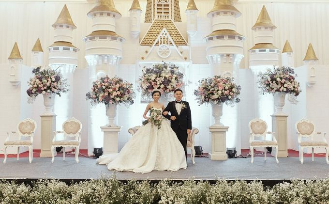 Compilation of White Themed Wedding by Skenoo Hall Emporium Pluit by IKK Wedding - 001