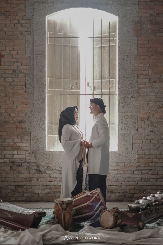 Prewedding TEBE & RIRIN  Fanziphotowork X upiedam by CORELLIA INVITATION - 009
