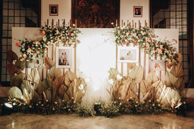 The Wedding of Fira & Jordan by Elior Design - 025