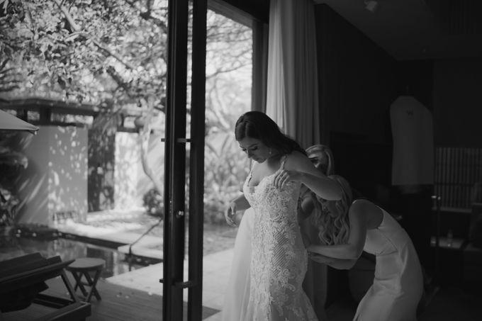 Mindy & Cameron Wedding at W Hotel Bali by AKSA Creative - 006