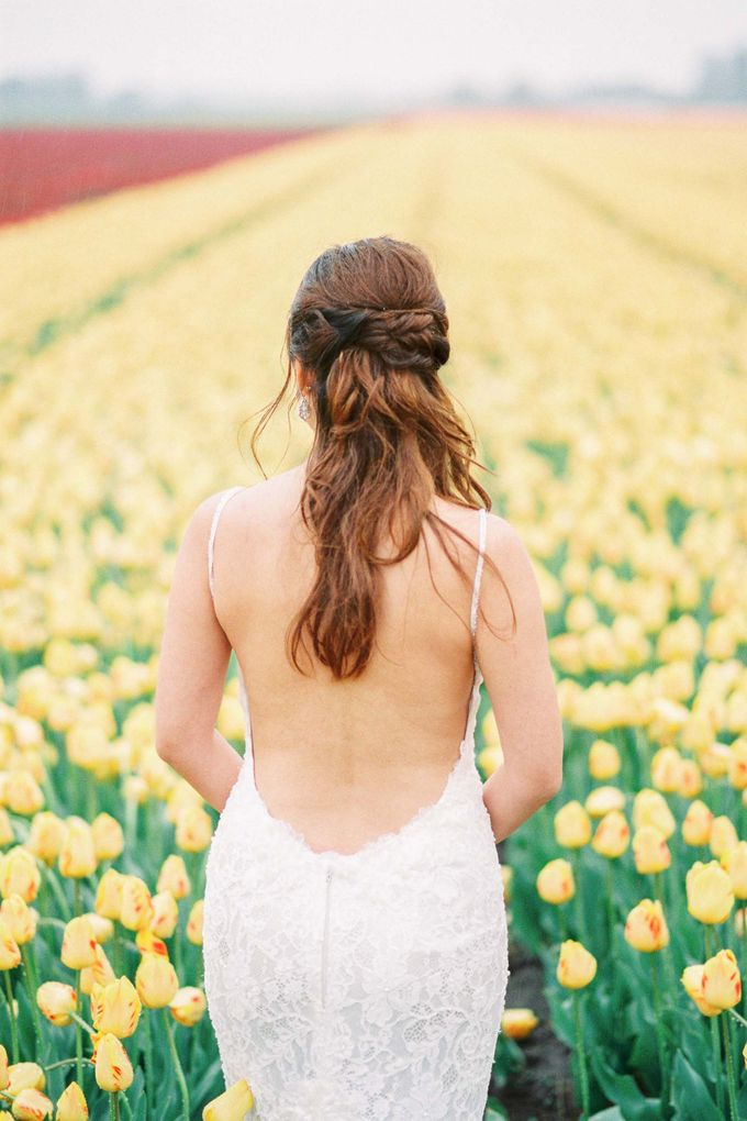Romantic Flower Fields Pre-Wedding Shoot by Rox and San Photography - 005