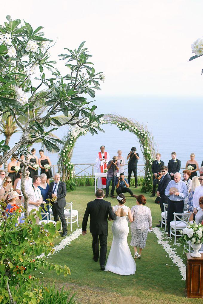 Organic Elegance in Seventh Heaven by Hari Indah Wedding Planning & Design - 022