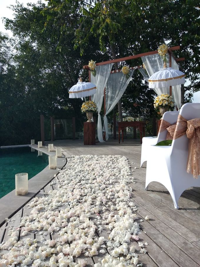 Ceremony Set Up Balinese Touch by Million Rose Event Bali - 004