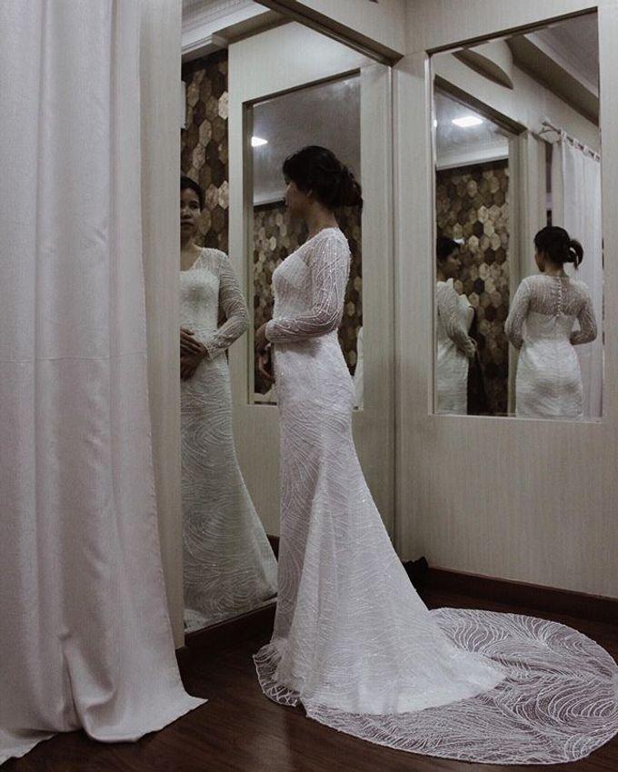 WEDDING DAY OF JUDITH AURELIA by VEZZO STUDIO by Christie Basil - 006