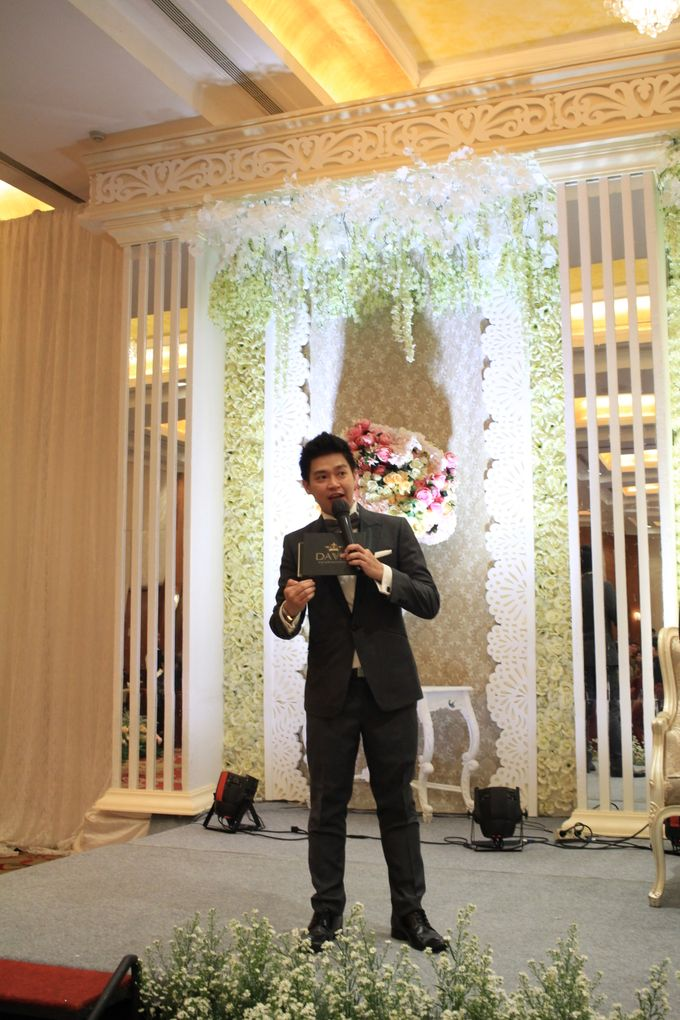 MC Wedding Red Top Hotel Jakarta - Anthony Stevven by Pelangi Cake - 012