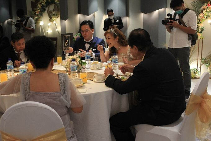 MC Wedding Double V Entertainment at JHL Solitaire Serpong by Double V Entertainment - 022