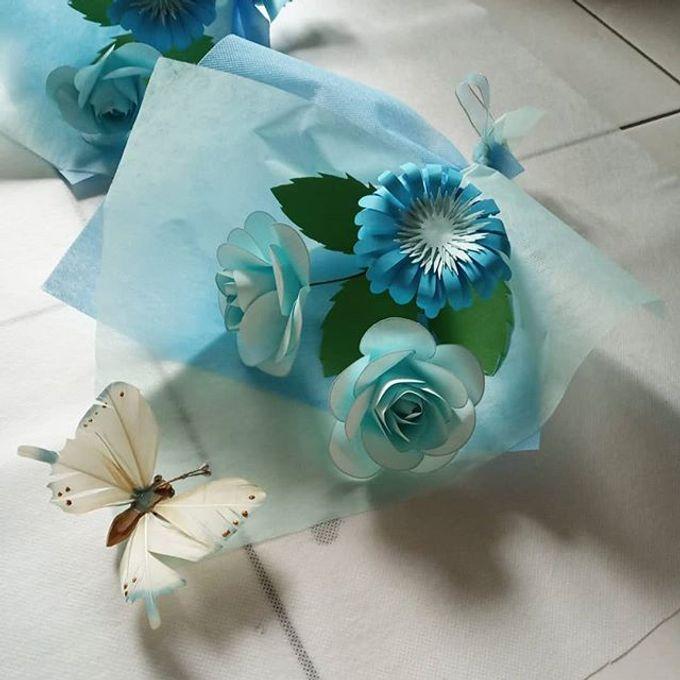 Paper Flower Mini Hand Bouquet By Kreema Florist And Decoration