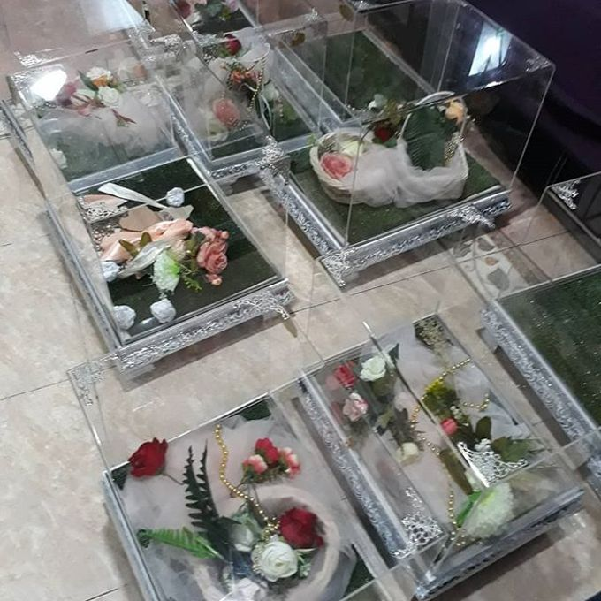 Glam Tray (Silver) by Freesia Seserahan - 005