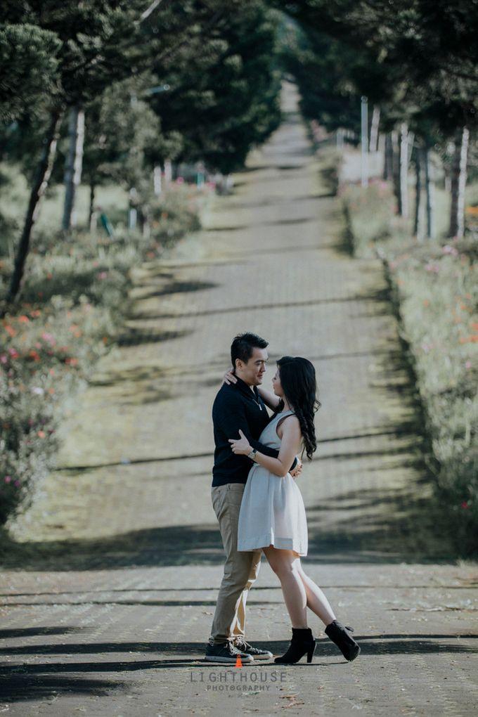 Prewedding of Mark and Vina, Bandung by Lighthouse Photography - 011