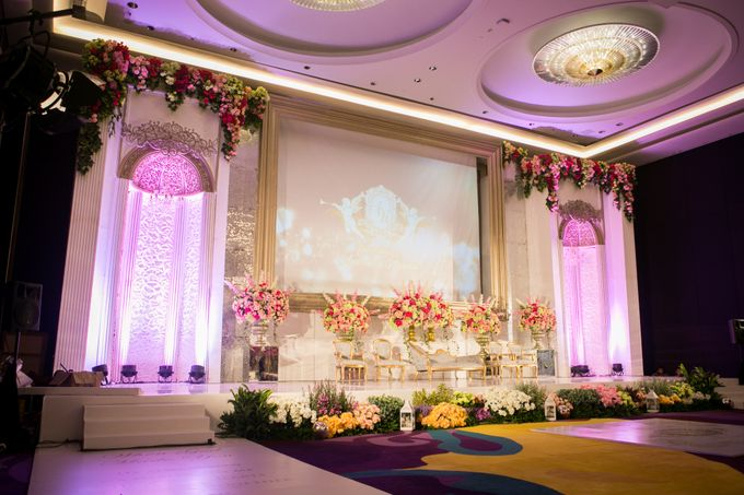 The Wedding of Andrew & Novrida by The Swan Decoration - 004