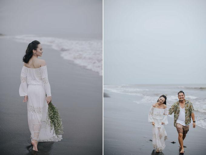 PRE - WEDDING EDWIN & YOMEDIKA BY RIO YAPARI by All Seasons Photo - 049