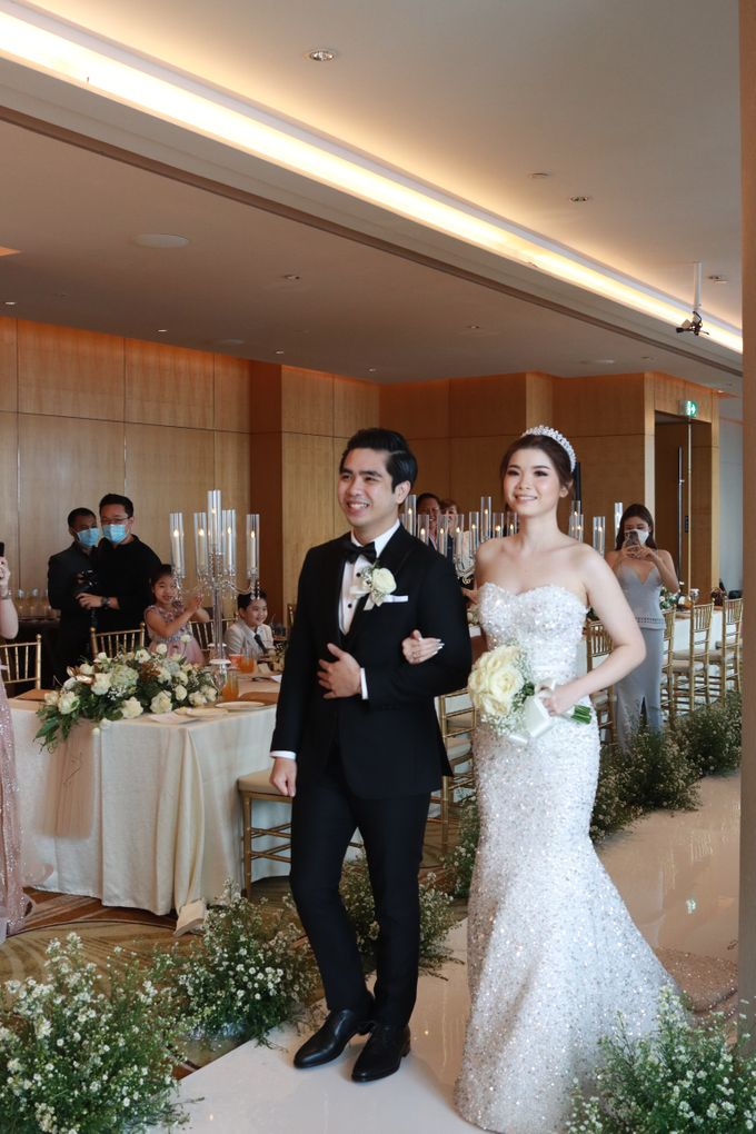 New Normal Entertainment Wedding at Westin Jakarta by Double V Entertainment by Double V Entertainment - 015