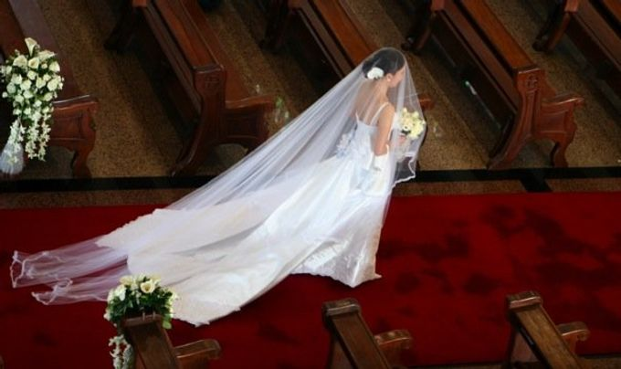 WEDDING GOWN by Peter Lim - 001