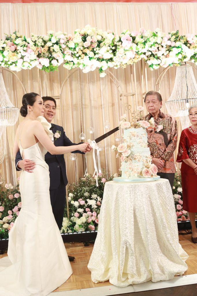 Fine Dinning Intimate entertainment wedding at Alto Restaurant Four Seasons Jakarta - Double V Entertainment by Hian Tjen - 022