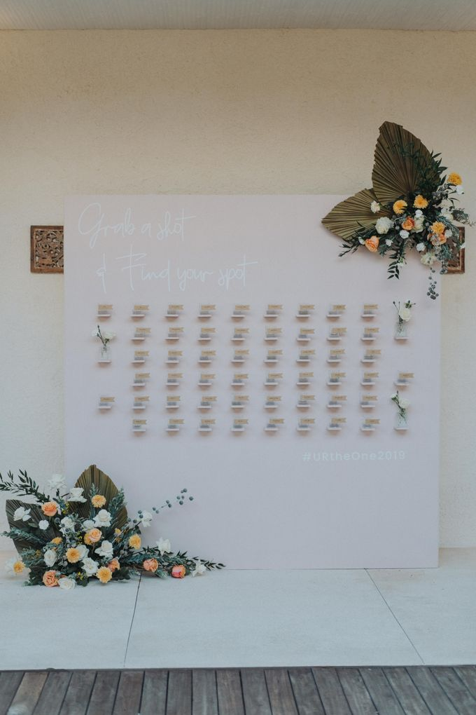 Romantic Modern Wedding at Alila Uluwatu Bali by Silverdust Decoration - 033
