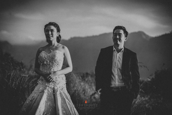 The Prewedding of Andrey and Sisca - Bromo by Lighthouse Photography - 003
