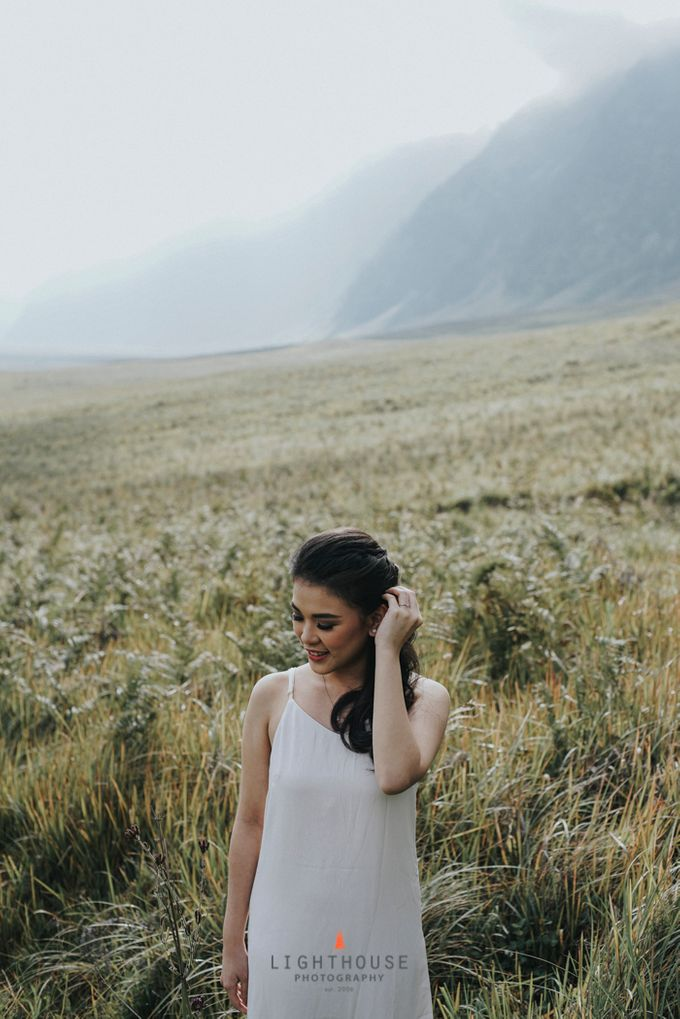 The Prewedding of Andrey and Sisca - Bromo by Lighthouse Photography - 009