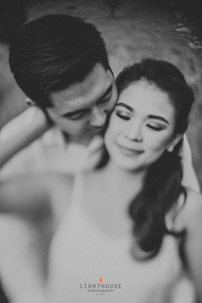 The Prewedding of Andrey and Sisca - Bromo by Lighthouse Photography - 012