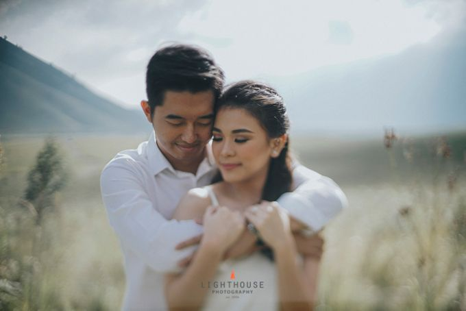 The Prewedding of Andrey and Sisca - Bromo by Lighthouse Photography - 013