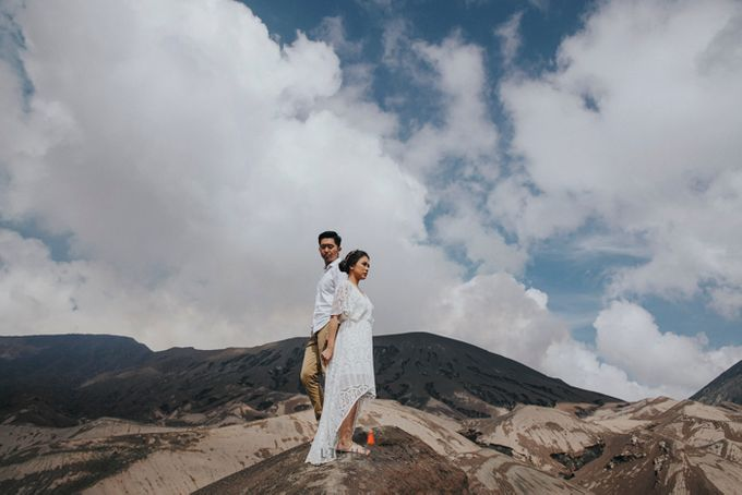 The Prewedding of Andrey and Sisca - Bromo by Lighthouse Photography - 022