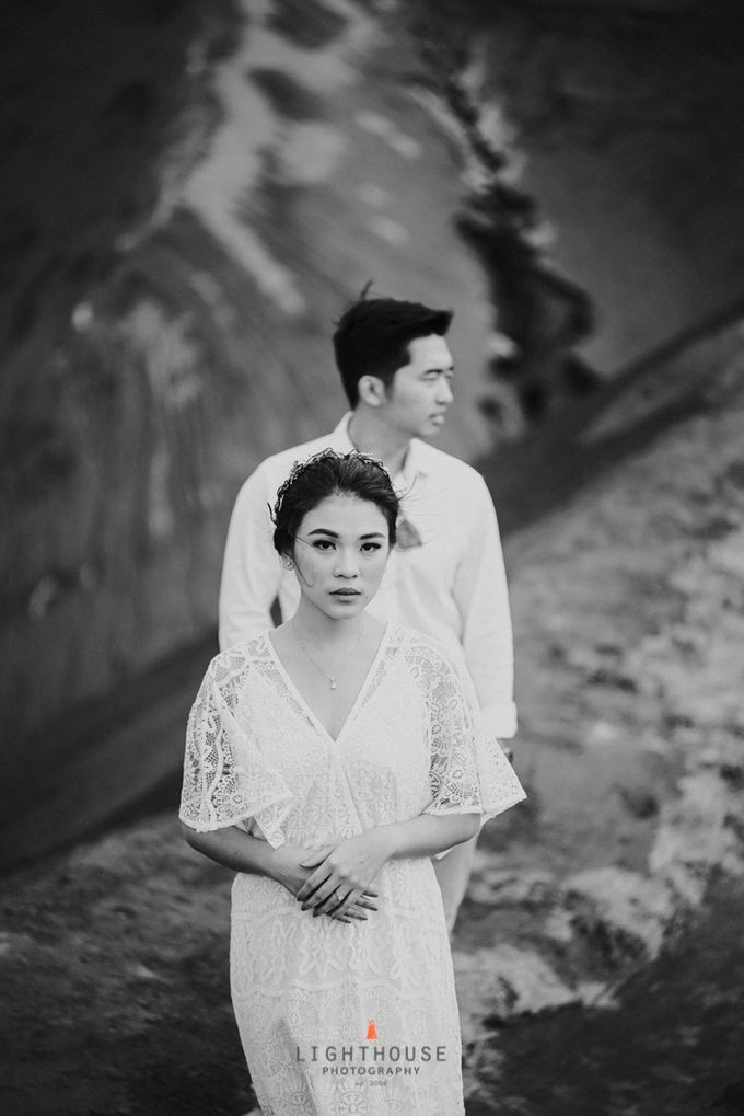 The Prewedding of Andrey and Sisca - Bromo by Lighthouse Photography - 026