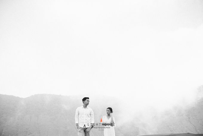 The Prewedding of Andrey and Sisca - Bromo by Lighthouse Photography - 034