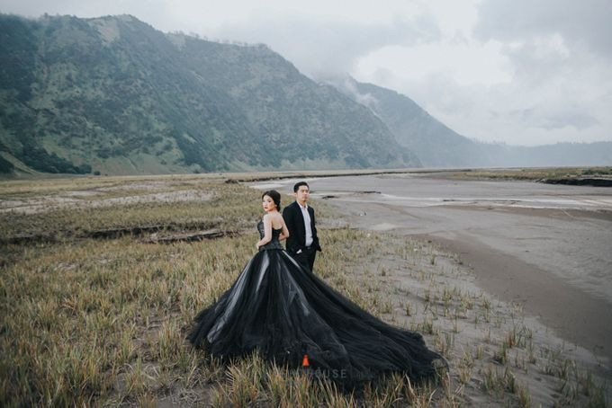 The Prewedding of Andrey and Sisca - Bromo by Lighthouse Photography - 038