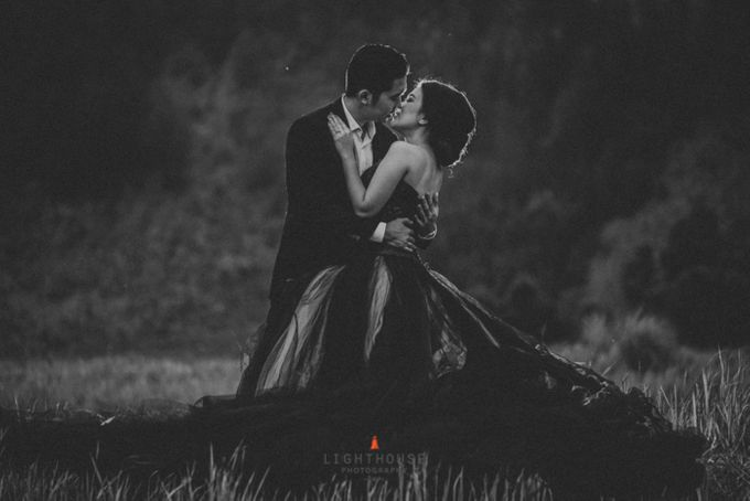 The Prewedding of Andrey and Sisca - Bromo by Lighthouse Photography - 041