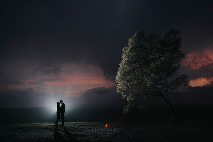 The Prewedding of Andrey and Sisca - Bromo by Lighthouse Photography - 044