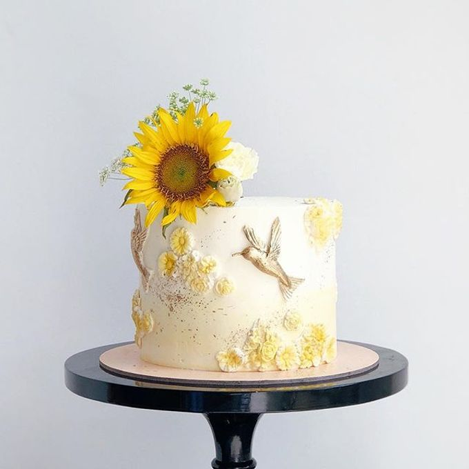 Tiered and Wedding Cakes 2019 by Nana Cake Boutique - 004
