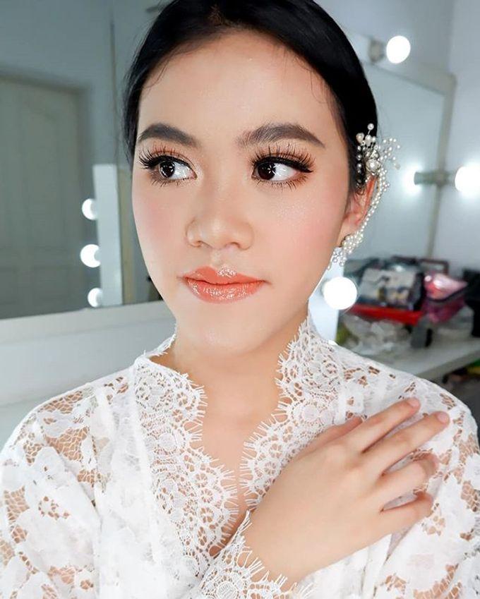 Bride Makeup by Desy Lestari Makeup - 007