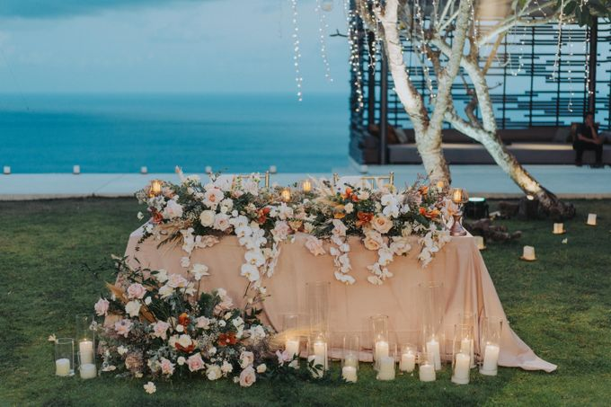 Romantic Modern Wedding at Alila Uluwatu Bali by Silverdust Decoration - 035