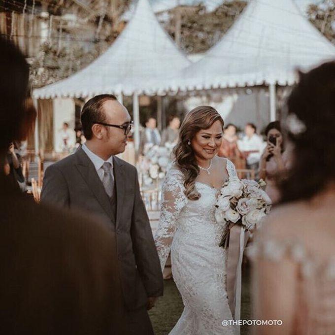 WEDDING OF ROSEVANA TARA AND EMILE by VEZZO STUDIO by Christie Basil - 007