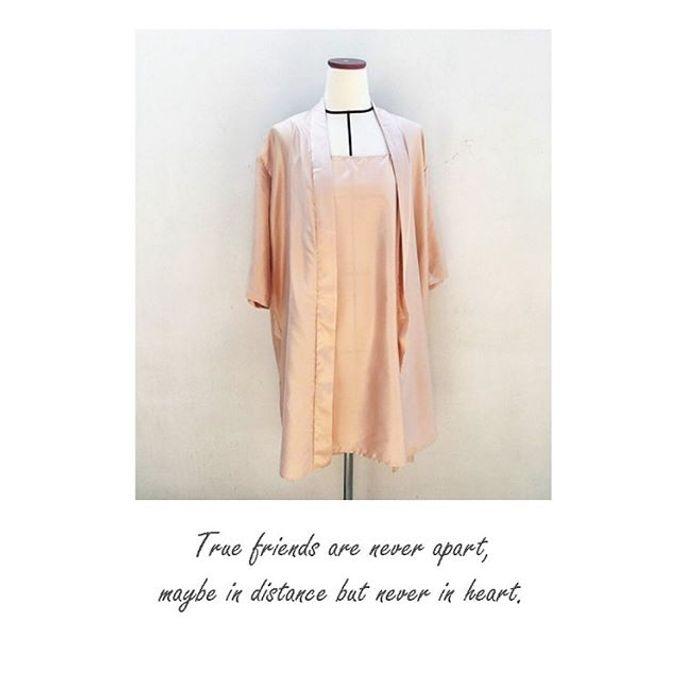 Custom Robes Bride & Bridesmaid gift by Cana Robes - 004
