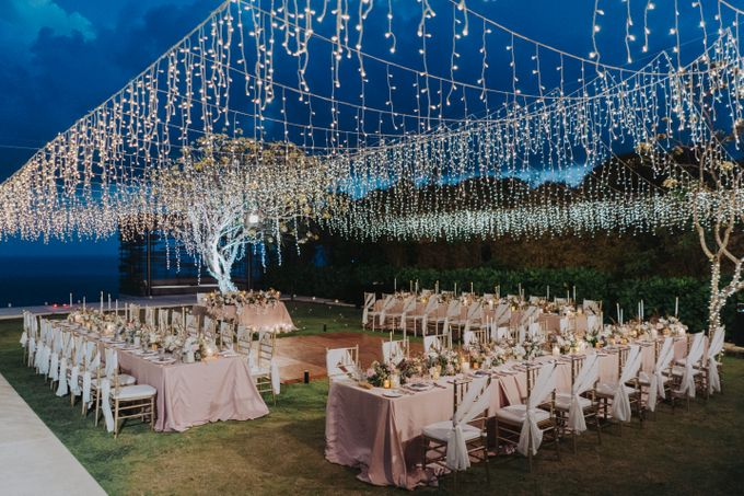 Romantic Modern Wedding at Alila Uluwatu Bali by Silverdust Decoration - 036