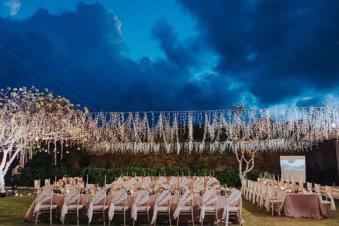 Romantic-Modern Wedding at Alila Uluwatu by Silverdust Decoration - 033