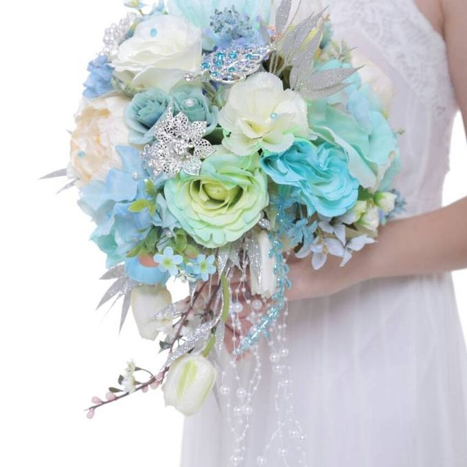 ENCHANTED WEDDING BOUQUET by LUX floral design - 017