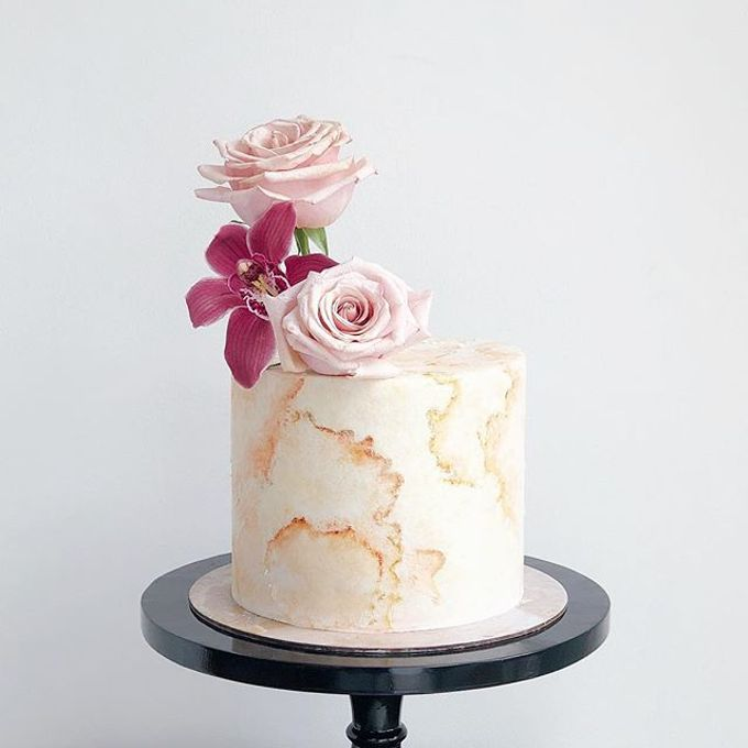 Tiered and Wedding Cakes 2019 by Nana Cake Boutique - 016
