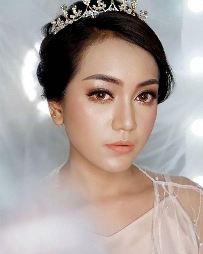 Bride Makeup by Desy Lestari Makeup - 009