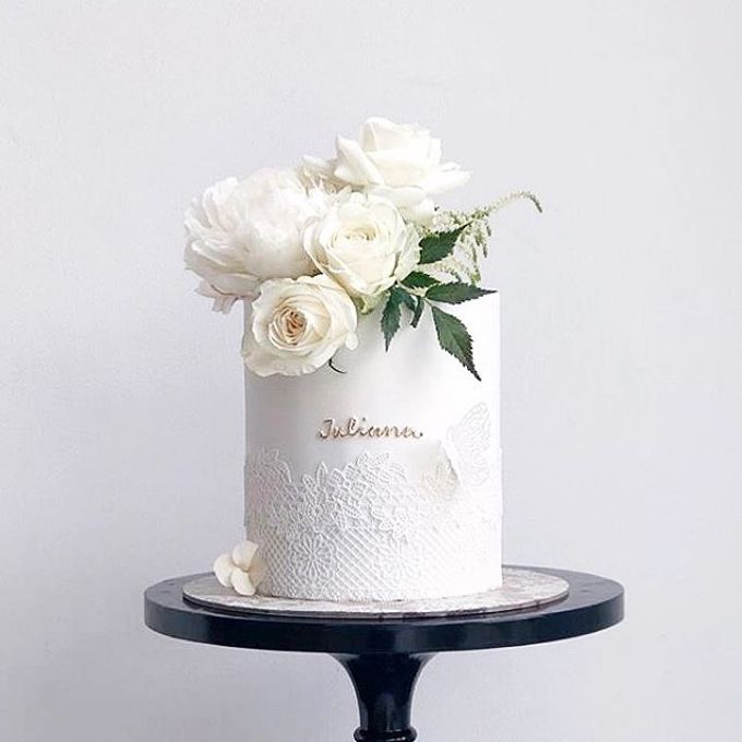 Tiered and Wedding Cakes 2019 by Nana Cake Boutique - 017