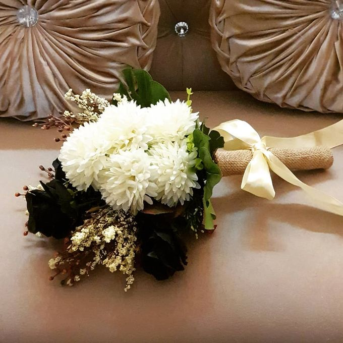 Floral Arrangements by All The small Things - 012