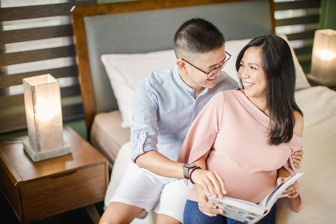 Maternity for Julius and Kath by Love And Other Theories - 004