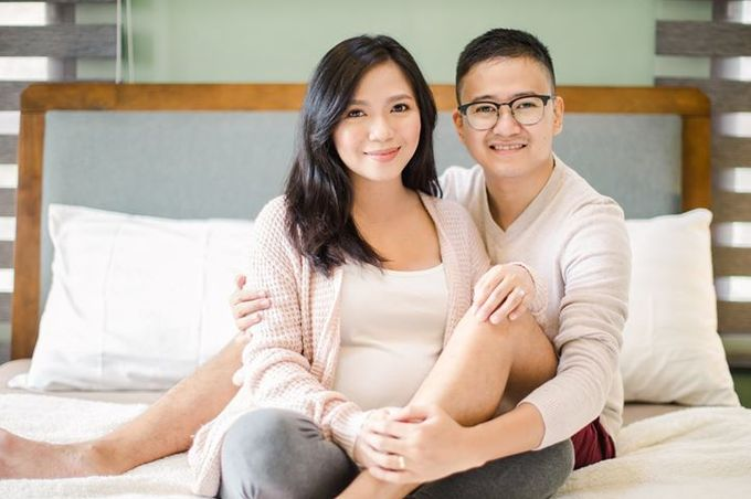 Maternity for Julius and Kath by Love And Other Theories - 013