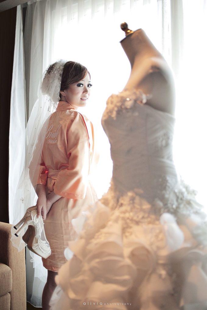 Hendra + natalie   wedding by alivio photography - 005