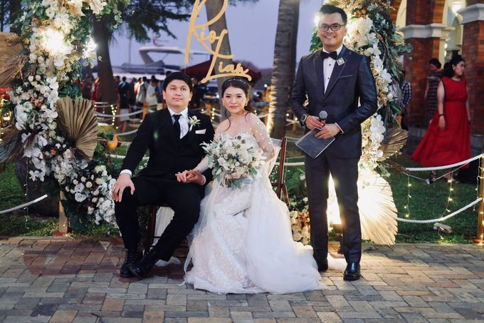Rio & Lian Wedding by HENRY BRILLIANTO - 011