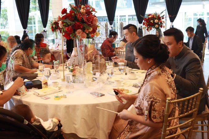 MC Sangjit - Engagement Intimate Glass House Ritz Carlton Pacific Place - Anthony Stevven by Anthony Stevven - 017