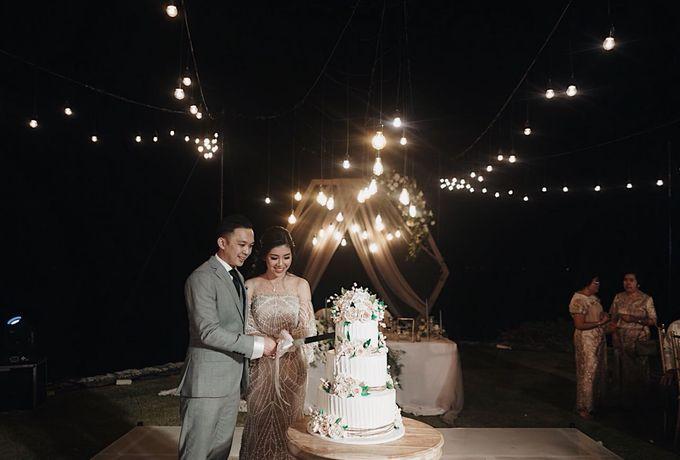 Andrew & Cassandra Wedding by Ixora Cakes - 001