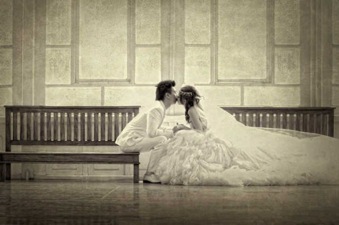 Indoor prewedding by Aldo Item - 005