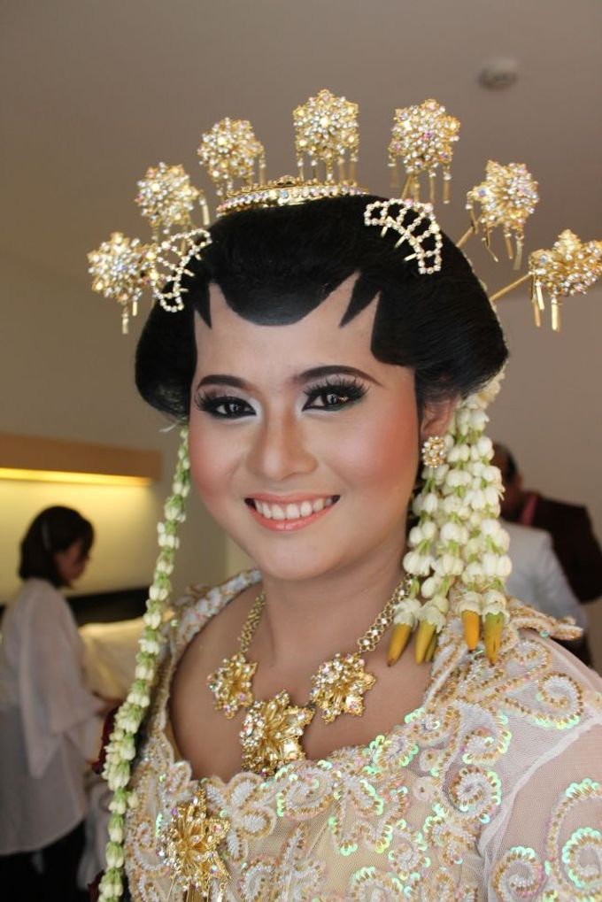 WEDDING - CYNTHIA by NANA Rias Pengantin - 002