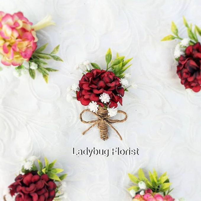 Family Boutonnieres by ladybug florist - 004